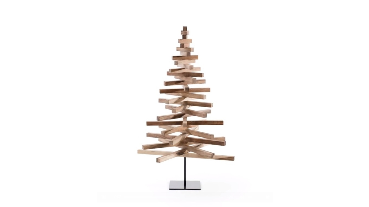 Yelka Is A Minimalist Christmas Tree Made From Wood